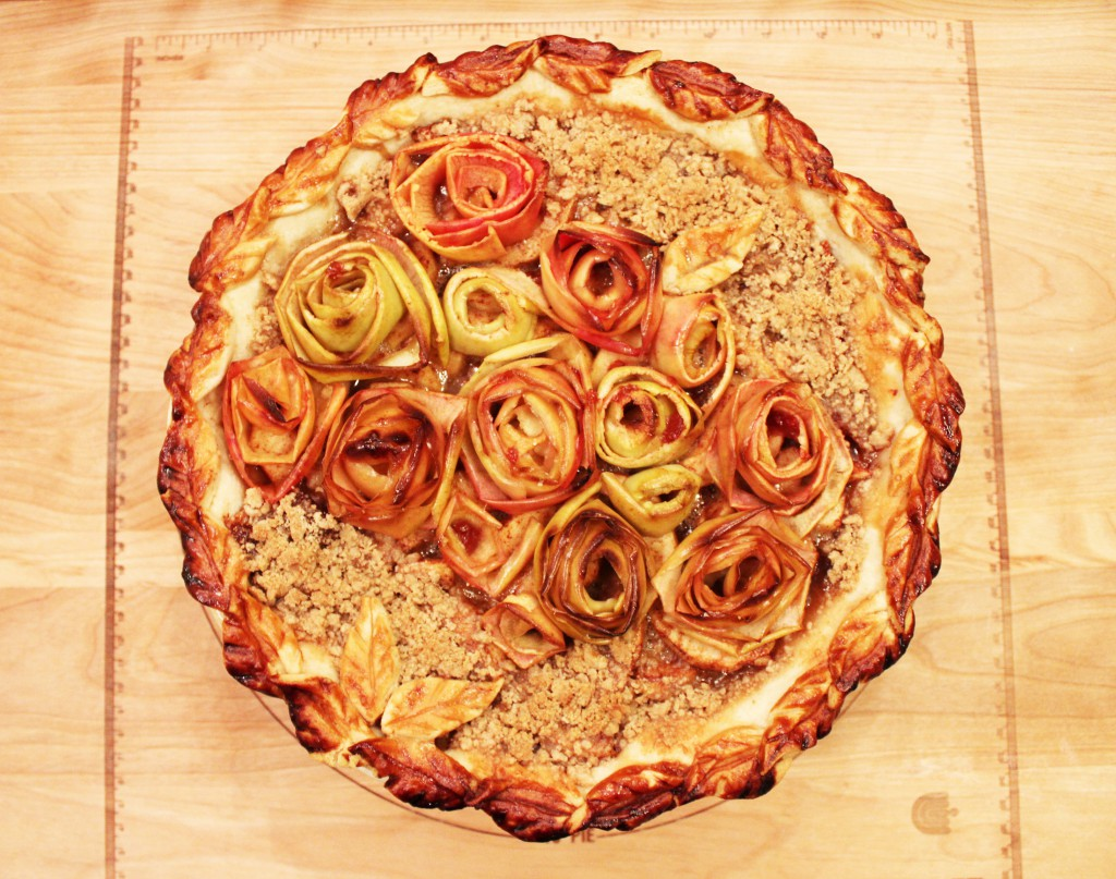 "Rosa's ""Honey Rose Apple Pie"""